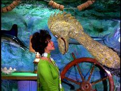 Serena Loch Ness Monster 8×03