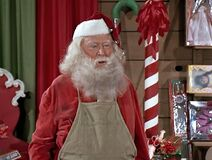 Santa Claus Beddoe 4×16