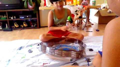 Beyblade Cyclone Beystadium Battle