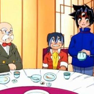 Ray (links) als Kellner