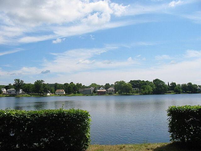 File:800px-Number One Pond.jpg