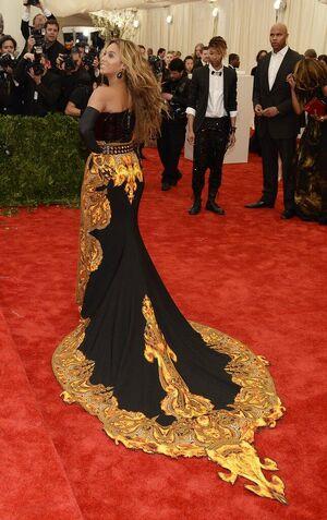 Beyonce MET Gala 7