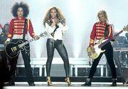 Beyonce-gal-worldtour