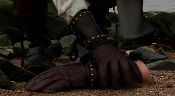 Displacer hand