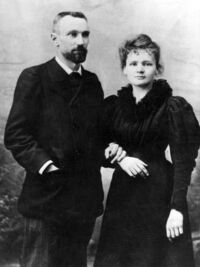 Maria-Skłodowska-Curie-z-mężem-Pierrem1