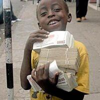 Dziecko z banknotami