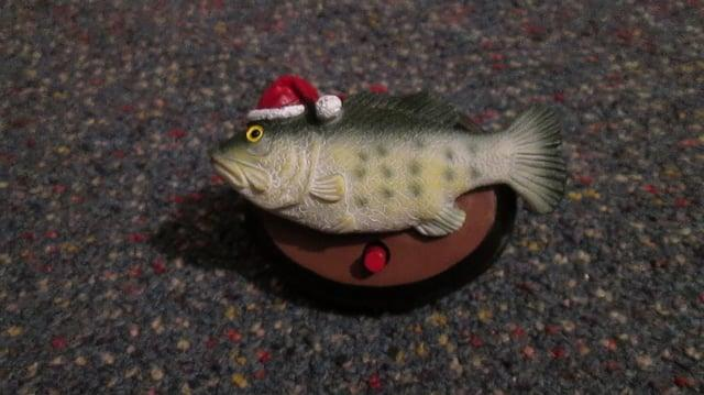 Gemmy Christmas Big Mouth Billy Bass Ornament version