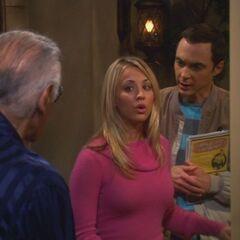 Penny talking to Stan Lee.
