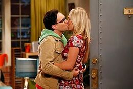 Leonard and Penny kissing