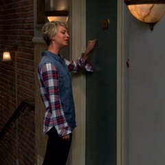 Penny doing Sheldon's knock.