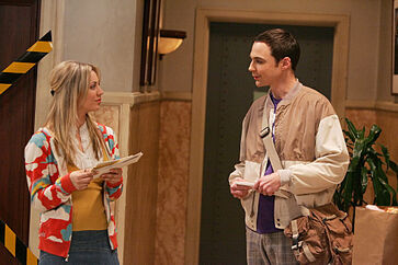 The Spaghetti Catalyst - Sheldon and Penny meet in the hallway