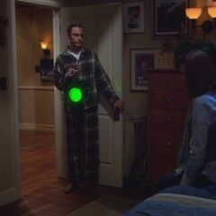 S03E12 - Sheldon gives up his bedroom to a guest