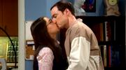 BBT Amy and Sheldon kissing