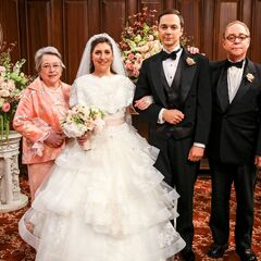Sheldon Cooper and Amy Farrah Fowler at their wedding with her parents.