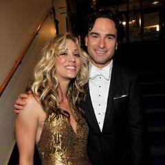 2009 Emmys Kaley Cuoco and Johnny Galecki.jpg
