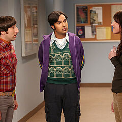 Alex talks to Howard and Raj.