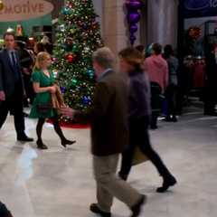 Bernadette and Sheldon in the mall.