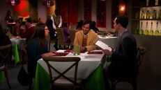 S6EP01 - Raj with Shamy on their date