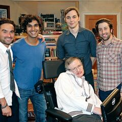 Behind the scenes: Stephen Hawking with Johnny Galecki, Kunal Nayyar, Jim Parsons, and Simon Helberg