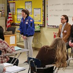 Astronaut Wolowitz speaks to the female students.