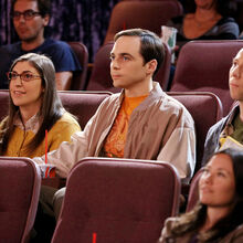 The show paid tribute to Hawking by sending Amy and Sheldon a wedding present.