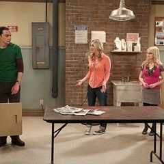 The girls want Sheldon to tell them what was in the letter.
