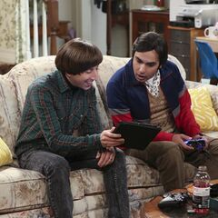Howard and Raj reading about their fan.