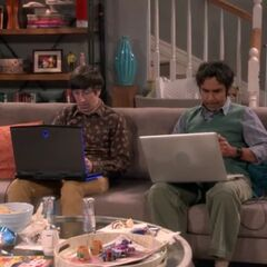 Raj and Howard playing Fortnite.