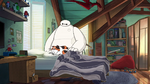 Baymax sees Mochi in bed