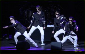 Big-Time-Rush-Elevate-s-Jingle-Ball-2011-big-time-rush-27431680-1222-779
