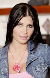 Rebeca-Linares-