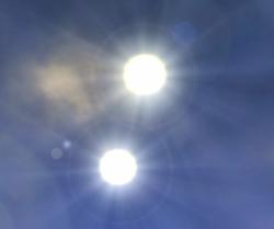 719px-Twin Suns