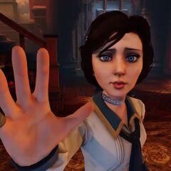 A Elizabeth le falta un dedo meñique