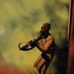 <i>Ballestero con máscara de gas.</i>