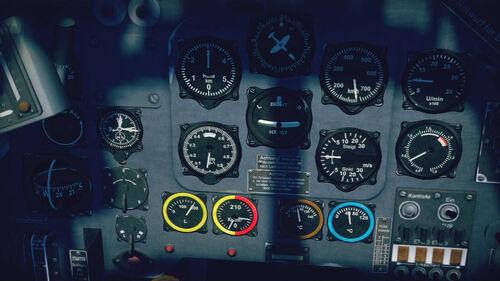 Ju87B2 cokpit up