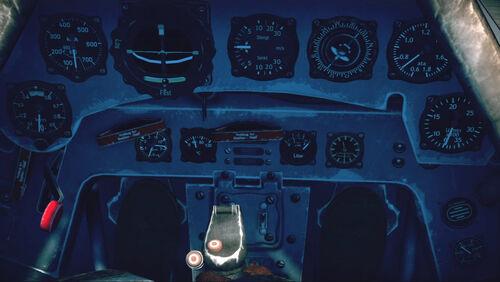 Fw190F8 cokpit up