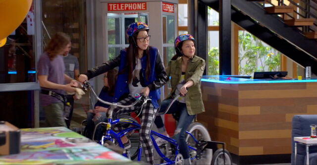 File:Frankie & Paige's Tandem Bike.jpg