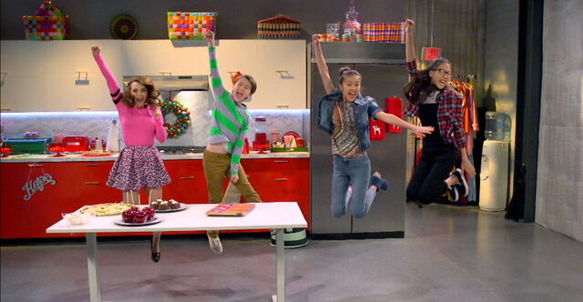 File:Rosaanna, Bernie, Paige, and Frankie Freeze Frame.jpg