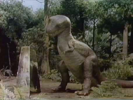 File:Land of the Lost (1974) - Grumpy and a Pylon.jpg