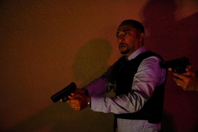 File:Black Lightning 1x02 promotional photo 02.jpg