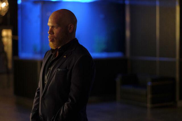 File:Black Lightning 1x01 promotional photo 06.jpg