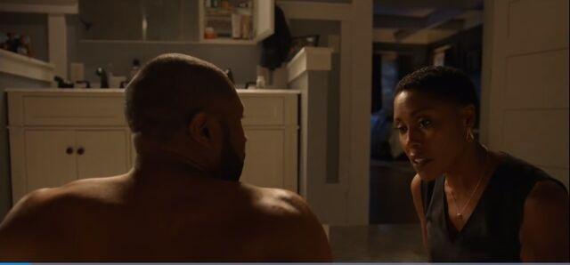 File:BL-1x02-Screencap-14-Lynn-Jefferson.jpg