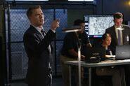 The Blacklist - Episode 1.05 - The Courier - Promotional Photos (1) 595 slogo