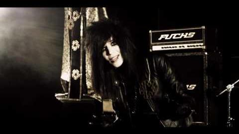 "BLACK VEIL BRIDES ""Perfect Weapon"" OFFICIAL MUSIC VIDEO-0"