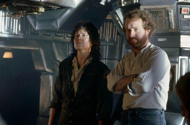 File:Ridley Scott and Alien.jpg