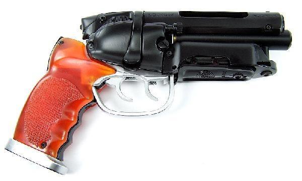 File:Blade-Runner-1982-prop-weapons.jpg