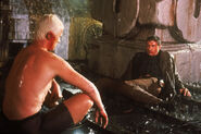 Roy talking to Deckard