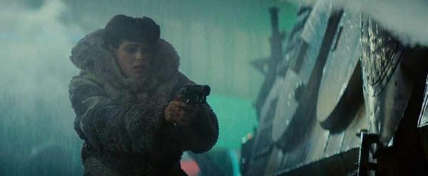 File:Rachael Saves Deckard.jpg