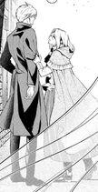 Альфред и Летиция гуляют на улице