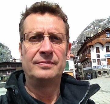 File:Andrew Mark Sewell April 2012.jpg